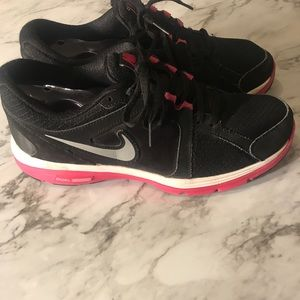 Nike Shoes - Women's Dual Fusion Nike's Pink & Black size 10